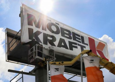 Möbel Kraft Dresden | Werbepylon | Lichtwerbung