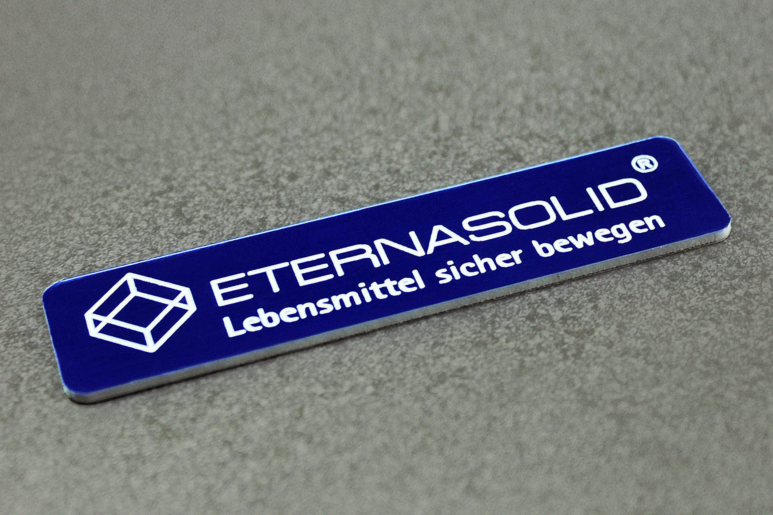 ETERNASOLID® Dresden | Typenschilder | 1,6mm Laseracryl selbstklebend