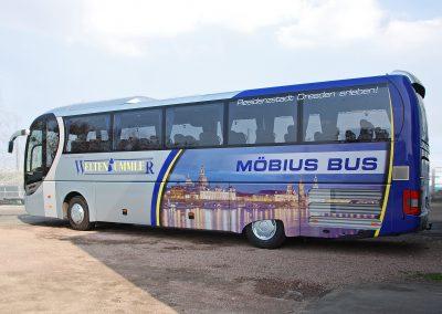 Möbius Bus