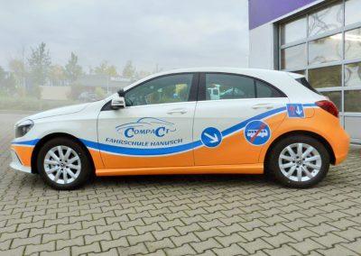 Compact Fahrschule Hanusch | KFZ-Werbung