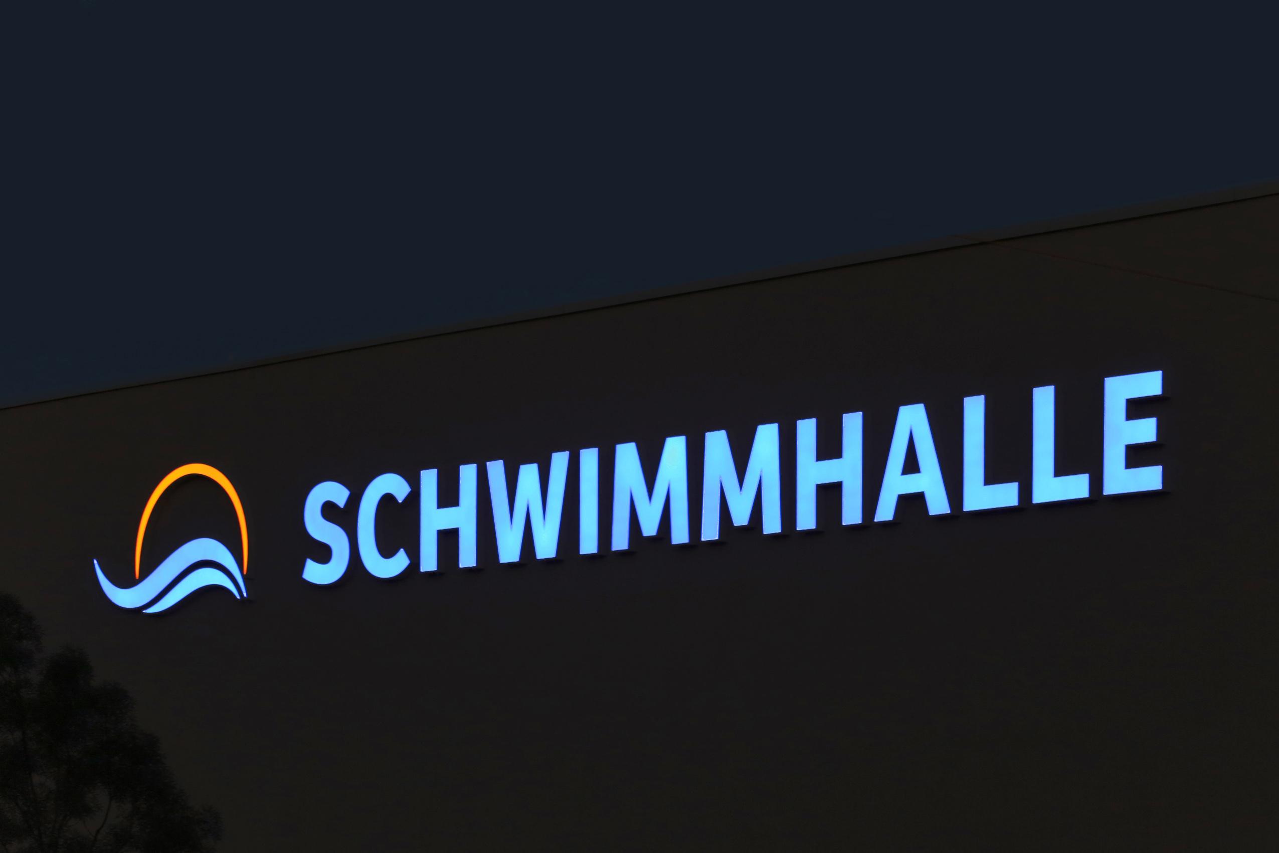 Dresdner Bäder GmbH | Profil-Buchstaben | Lichtwerbung