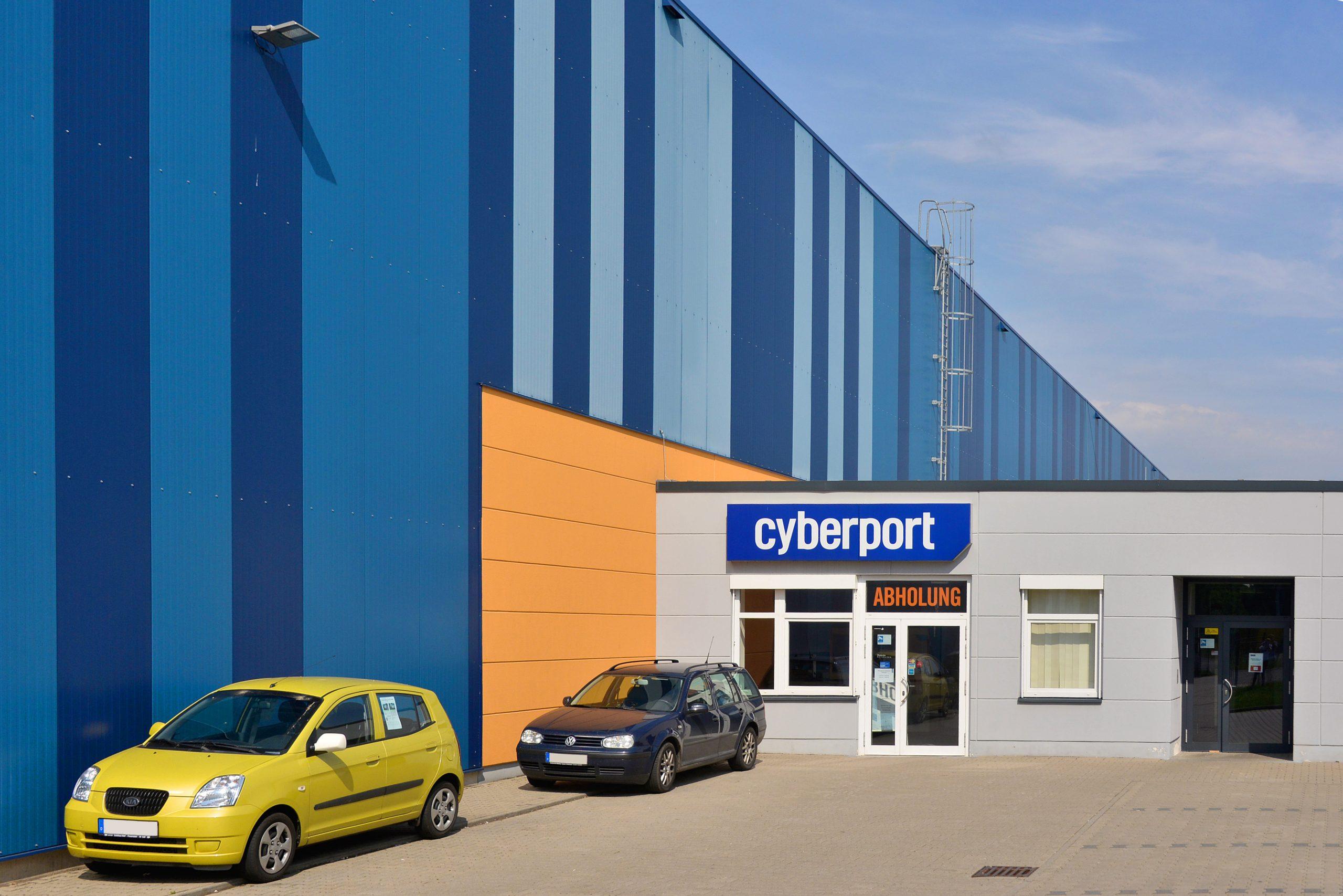 Cyberport Siebenlehn | Gebäudefolierung | Sonnenschutzlackierung