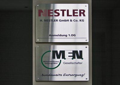 H. Nestler | Metallschild | Edelstahl